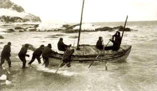 Antártida: Lanzando al agua el James Caird