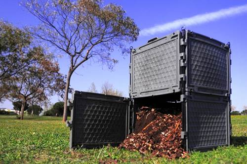 Depósito de compostaje. Imagen Wikimedia Commons