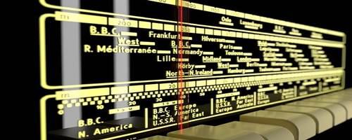 Dial de frecuencias en un receptor de radio. Imagen de sutulo en Pixabay