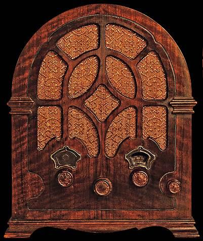 Antigua radio de válvulas o tubos de vacío